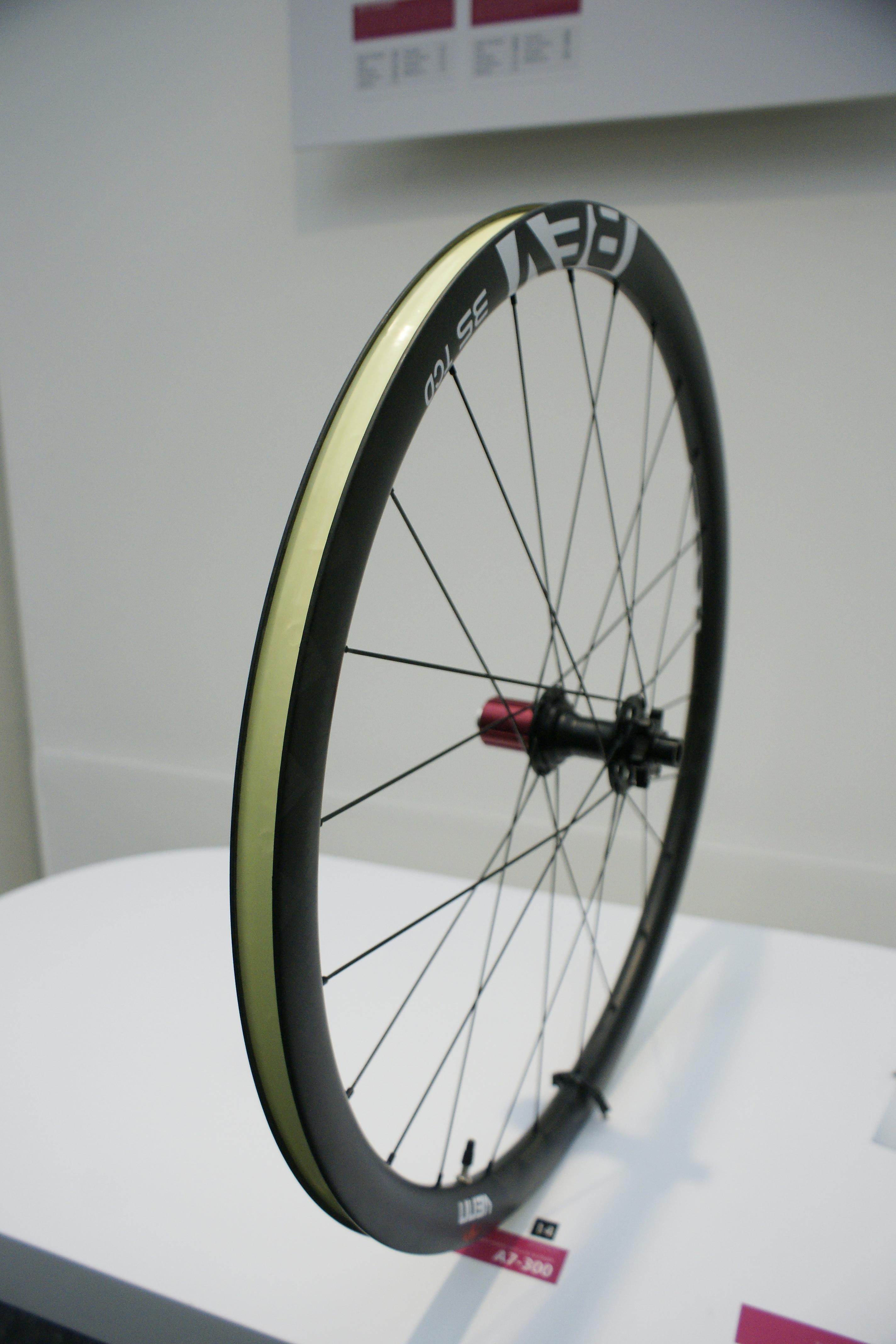 Venn REV Carbon wheels winner of best product at Eurobike 2015